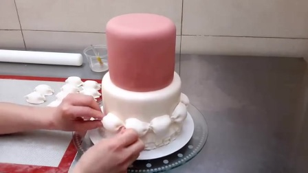 美丽的翻糖蛋糕装饰过程