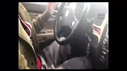 搞笑视频 东北小伙搞笑学车2