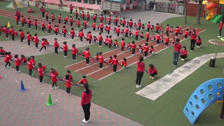 天津市河北区第五幼儿园中班棍棒操