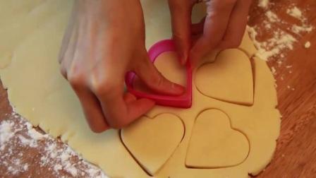 烘焙来了HD:大师教你做 戚风蛋糕制作步骤5