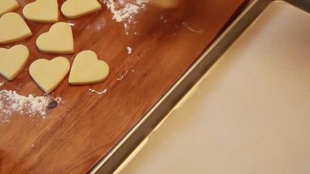 烘焙来了HD:大师教你做 戚风蛋糕制作步骤4