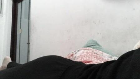 女孩在熟睡中勒死