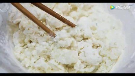 豆沙馅油炸糕深受人们喜爱的甜食,做法竟如此简单
