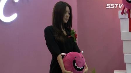 【新闻视频】170503 C-Festival开幕式 孙娜恩和孩子亲密互动