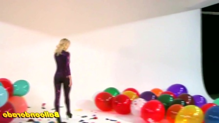 美女爆气球
