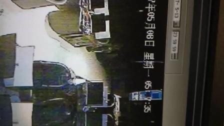 这个人是小偷 偷3台主机 济南长清区  人肉搜索!