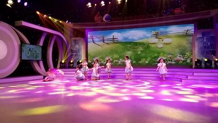 六一儿童舞蹈《一把小雨伞》选送单位:廊坊市舞元素十八班艺术学校馨语星苑校区四级满天宝贝们录制单位:廊坊市电视台