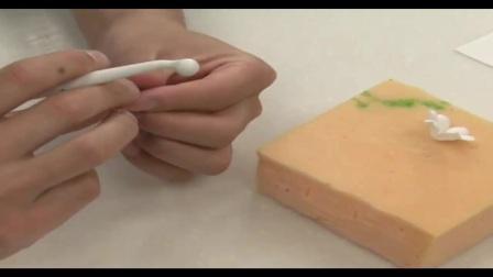 翻糖蛋糕——卡通小猪造型的制作