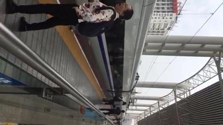 常州火车站列车夹门