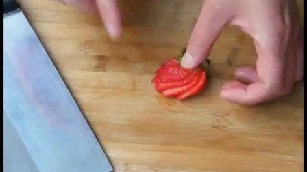04 翻糖皮的覆盖方法--婚礼多层翻糖蛋糕