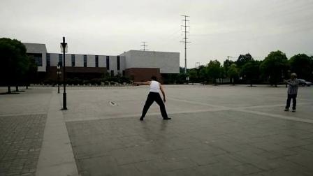 北京吉祥老顽童在徐州龟山民博馆交流放飞