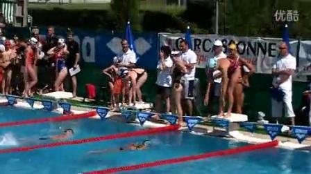 【游泳】法国名将马纳多与队友示范自由泳