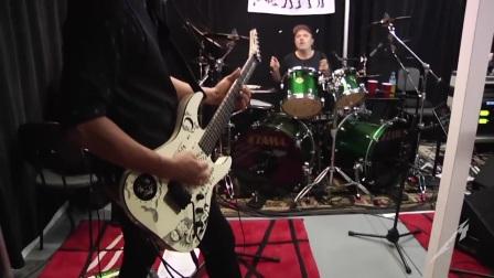 Metallica排练加即兴KISS