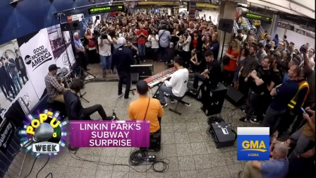 Linkin Park - Surprises Commuters At NYC Subway Station 2017-05-16
