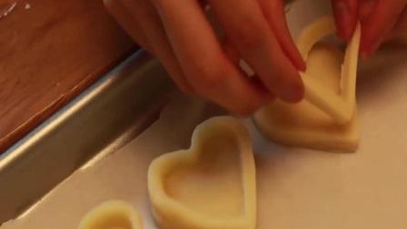 常用的翻糖蛋糕的制作 芭比娃娃