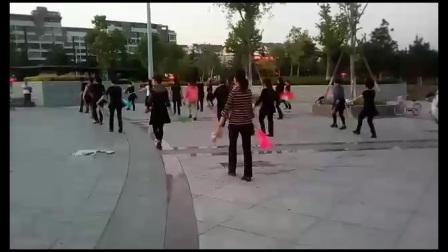 扇子广场舞