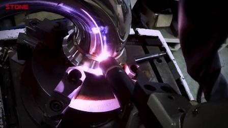STONE排气团队使用机械手臂生产排气过程