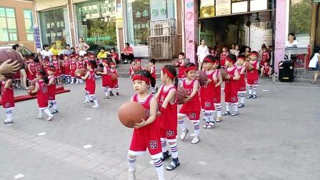 新星幼儿园中三班篮球操偶像万万岁