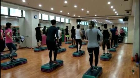 徐州健身教练怎么学_无锡健身舞教练_【云康健身学院】