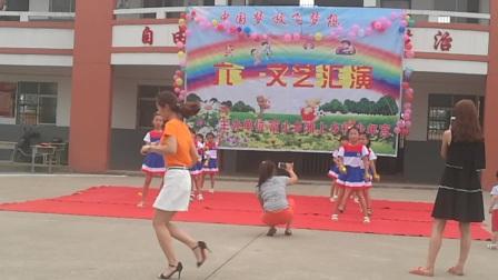 富山乡滩上小学舞蹈《tiktok》