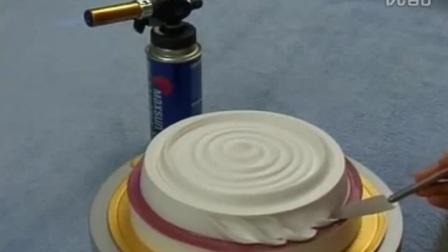生日蛋糕裱花视频制作 戚风蛋糕的做法