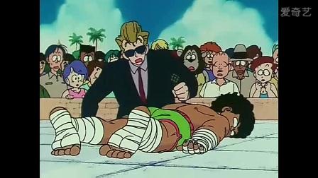 帅哥被一拳打倒
