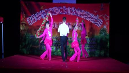 莱芜雪野旅游区龙山艺术团歌伴舞《龙山,我可爱的家乡》