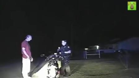 美国警察开枪实录__38