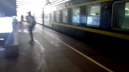 T289 北京西-南宁 进武昌站五站台