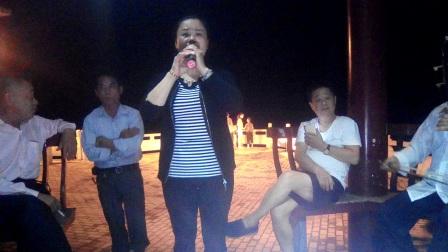 都来福上传南县老中青阳光自乐队今晚在石矶头演唱花鼓戏片段!