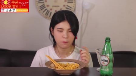 [Ddongsoon吃播][Eating Sound]树莓芝士通心粉蜜瓜冰沙炒年糕冰块生菜z