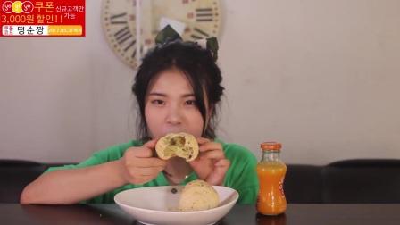 [Ddongsoon吃播][Eating Sound]夹心面包红柿干烧虾麻薯面包菝葜糕(4)_美食