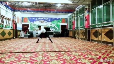 仲巴县杰玛央宗艺术团    藏族独舞   《弹琴说爱》