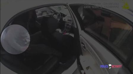 美国警察执法记录5-拦检车辆发现嫌犯持枪