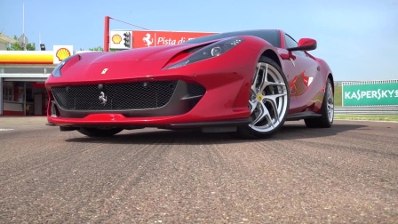 Autocar试驾800马力法拉利Ferrari 812 Superfast