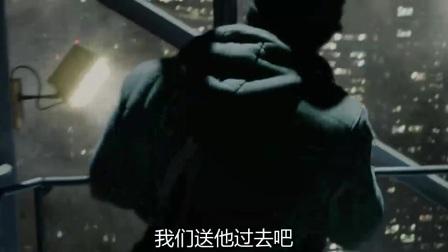 超凡蜘蛛侠 工人开起重机高楼架通道力助蜘蛛侠
