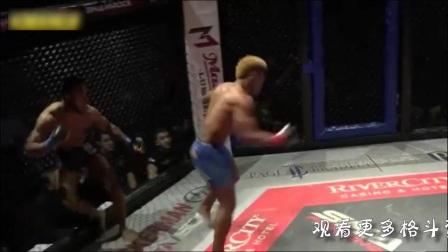 黑人拳王开场25秒华丽腿法KO对手,浑身瘫软昏迷不醒!