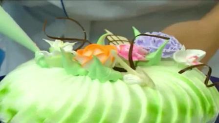 如何制作翻糖拼凑蛋糕