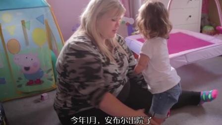 女孩2岁被四肢截肢, 却最喜欢画画, 比大人还要坚强
