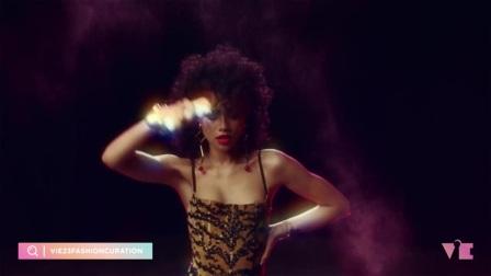 ViE呈现|Zendaya演绎百年风尚