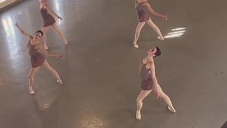 2017年瓦岗诺娃芭蕾舞校毕业班小视频part2