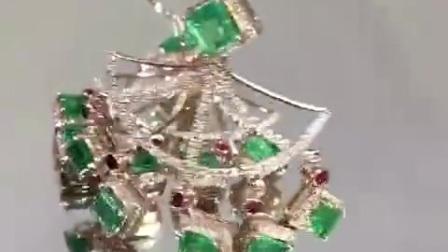 夸张彩宝耳坠,绿宝石
