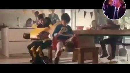 泡妞有新招麻烦大家帮忙找找视频里的小女孩和小男孩叫什么名字这个广告叫什么名字
