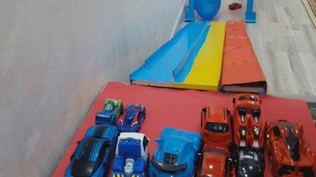 红色的,蓝色的去哦车与红蓝色的气球, 视频为幼儿, 欢迎订阅!!!