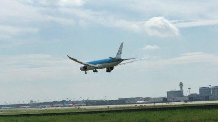 荷兰皇家航空B787-9降落杭州萧山国际机场