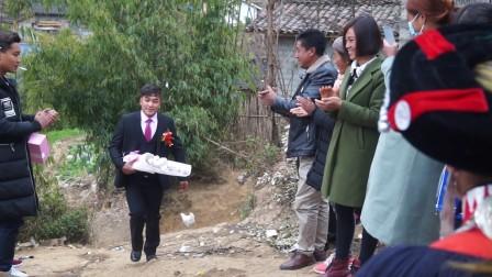 彝族结婚彝族婚礼彝族帅哥这样来迎亲太爽了