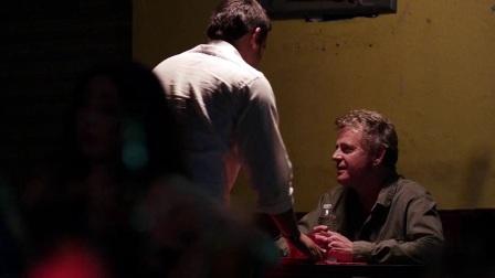 越界迷踪 酒吧找女儿结识墨西哥美女