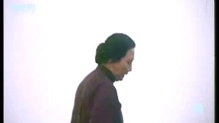 村里的女人用肩膀救了解放军