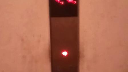 某小区破电梯