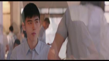 电影《秘果》编剧饶雪漫携邹元清 张诚航现身海口万达影城标